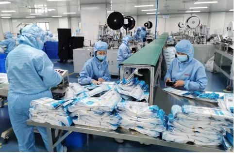 万安项管向新加坡海外华侨捐赠抗疫口罩